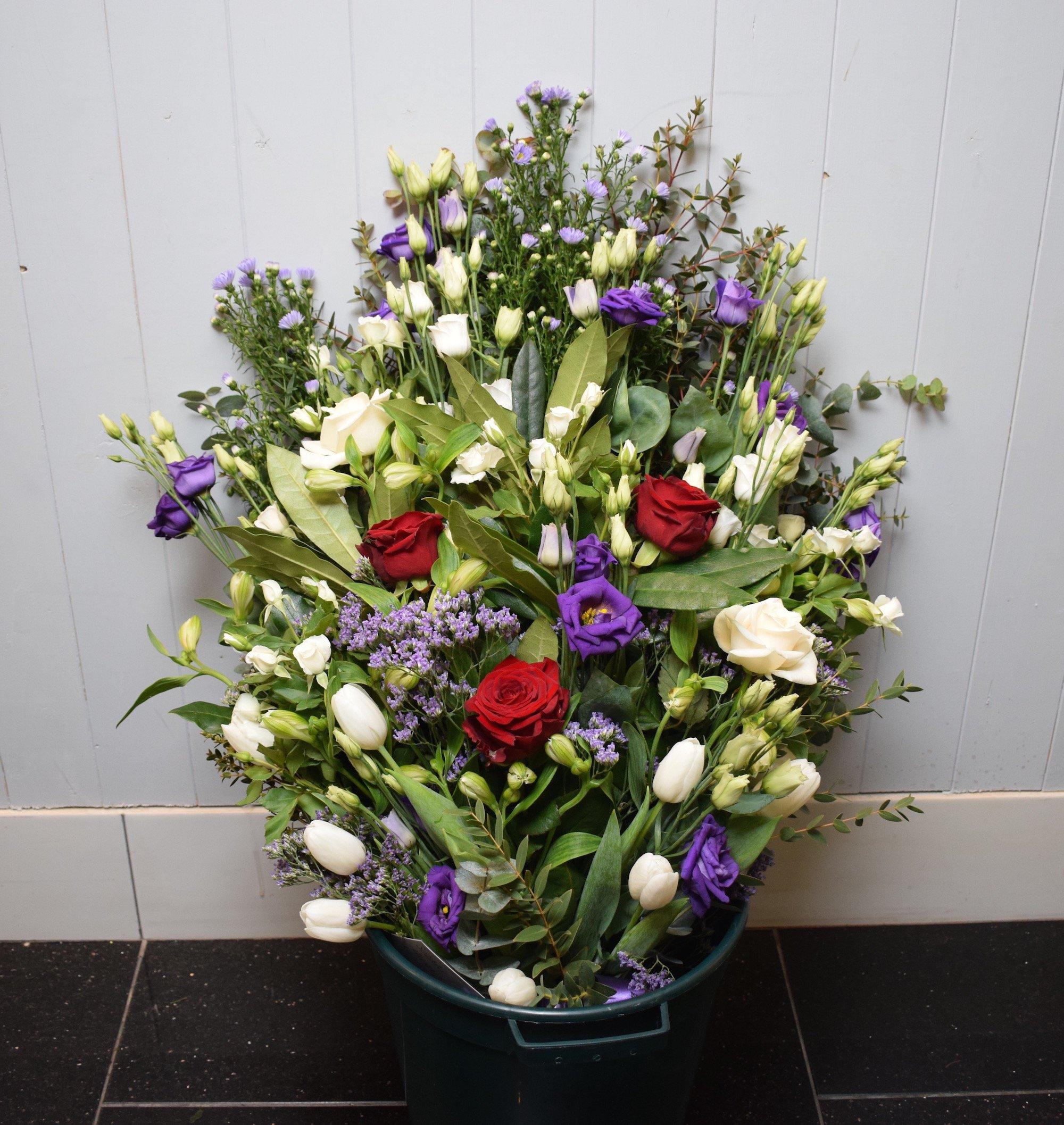 Florist delivery brighton same day flower delivery by httpsflowers brighton hoveuploadsclasicgrnwhiteposyg izmirmasajfo