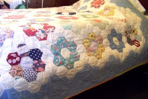 Grandmother's Flower Garden Quilt1