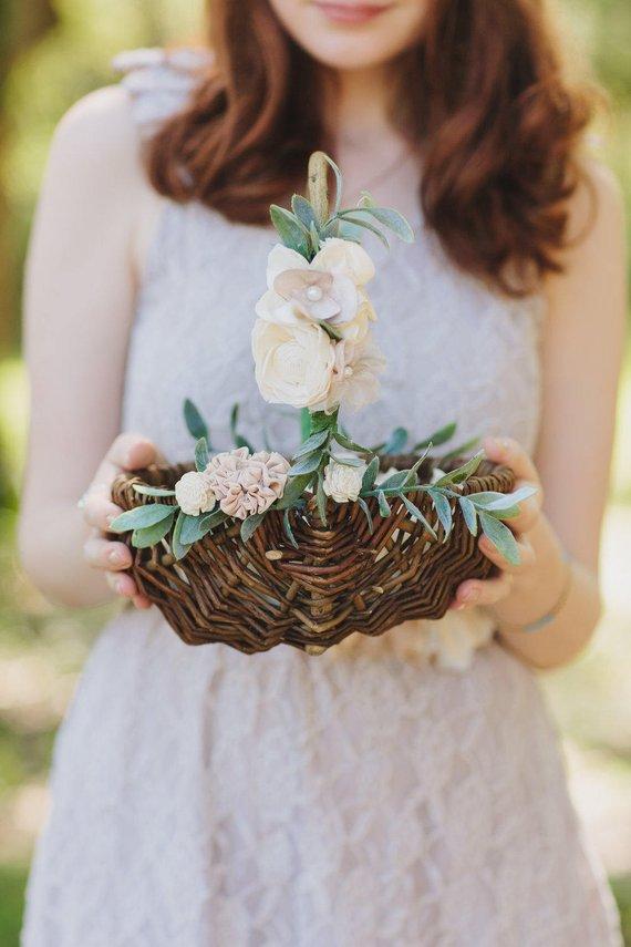 The Cutest Flower Girl Baskets on Etsy (junebugweddings.com)